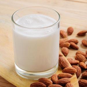 Leches vegetales leche-de-almendras-leche-vegetal